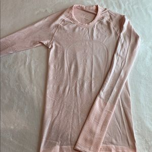 Lululemon Athletica Run swiftly Lace Long sleeve
